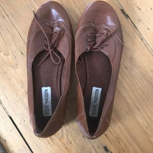 Steve Madden Brown lace up flats